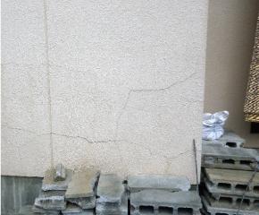 住宅 外壁のひび割れや劣化
